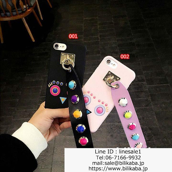 フェンデイiphone8plusケース 可愛い